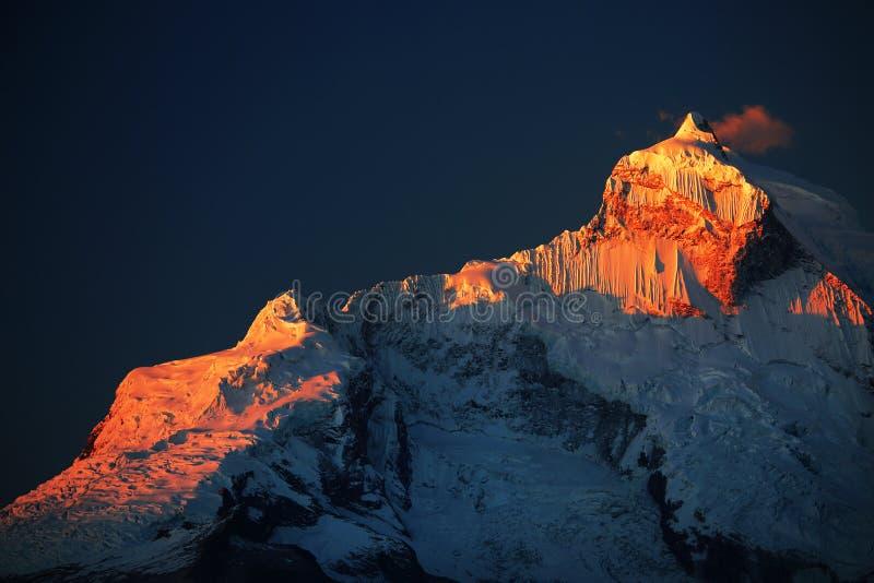 Huandoy szczyty zdjęcia stock