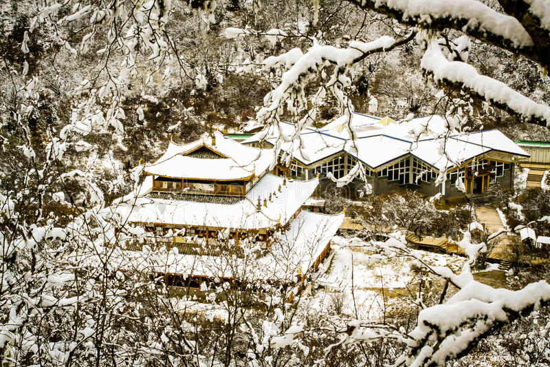 Download Huang long temple stock photo. Image of landscape, frame - 33316726