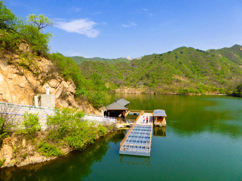 Huanghuacheng湖边长城视图 免版税库存图片