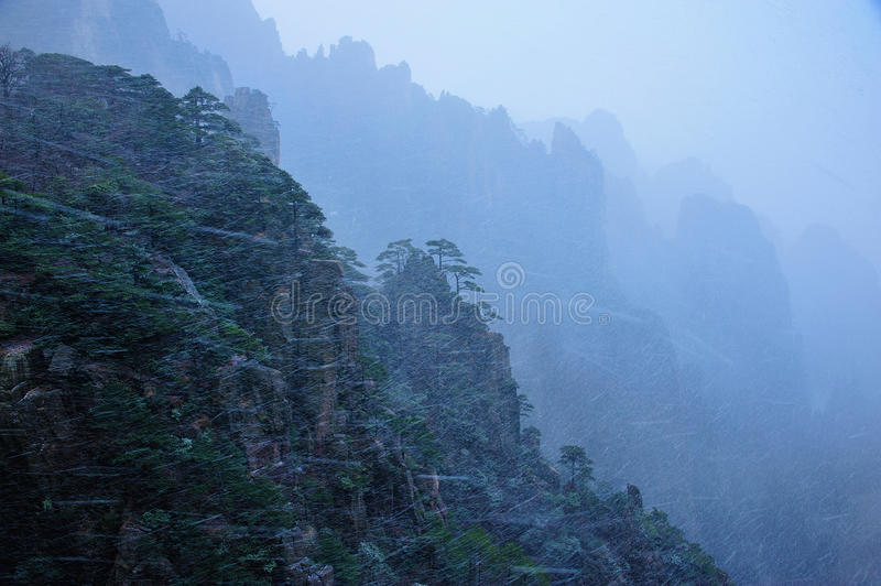 Download Huangshan(yellow) Mountain stock image. Image of snow - 29325333