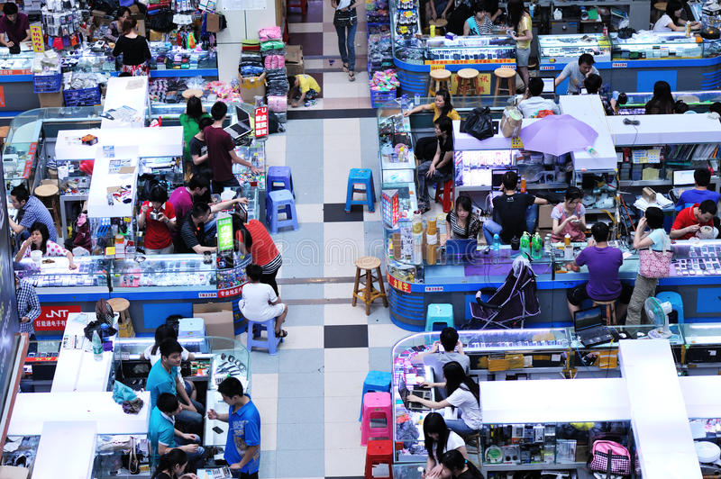 Download Huaqiangbei Electronics Market Editorial Photo - Image of asian, desk: 24633491