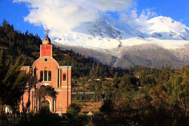 Huascaran berg royaltyfria bilder