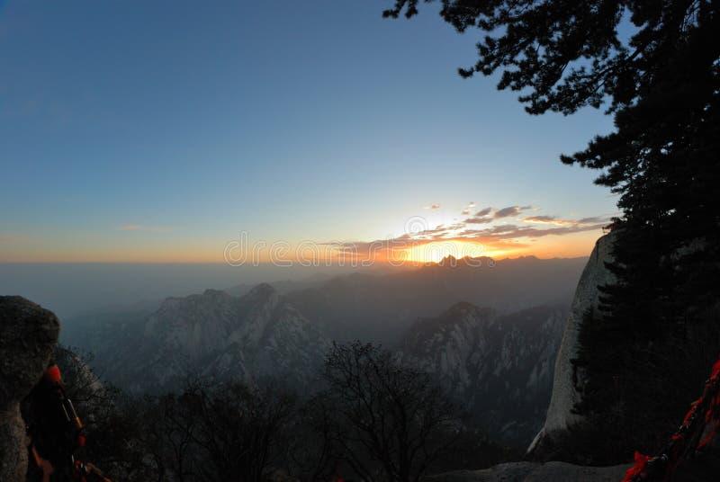 Huashan berg på soluppgång arkivbilder