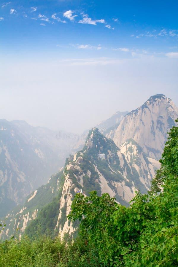 Huashan-Bergspitze unter dem blauen Himmel Provinz Xian, Shaanxi, China lizenzfreie stockfotos