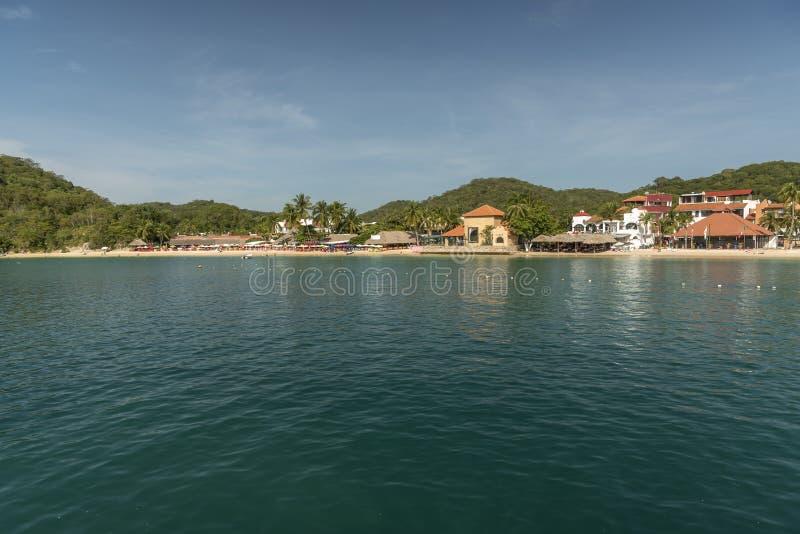 Huatulco från hytten för kryssningskepp arkivfoto