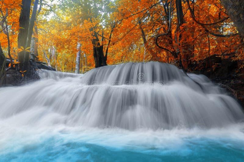 Huay Mae Kamin瀑布在北碧府泰国 库存图片