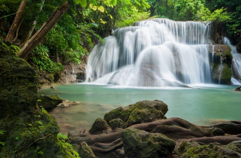 Huay-mae kamin Wasserfall, Kanchanaburi Thailand lizenzfreie stockfotos