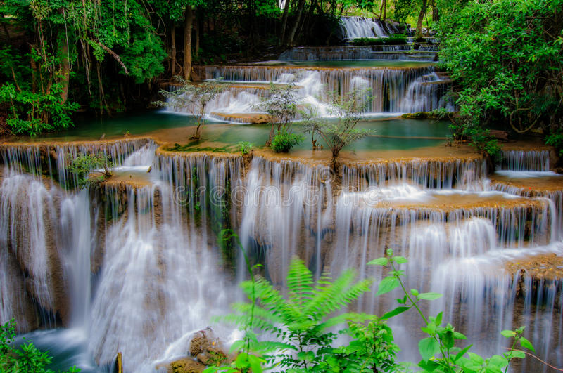Huay Mae Kamin Waterfall National Park, Kanchanaburi lizenzfreie stockfotos