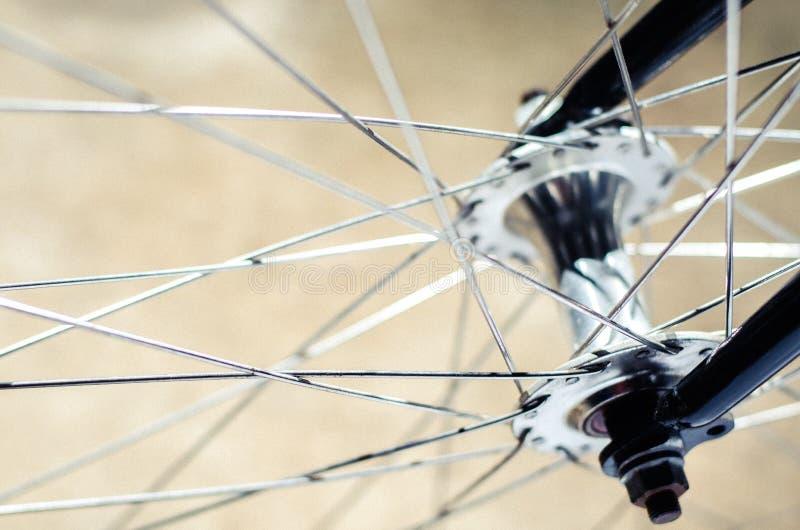 Hub et rai de vélo image stock