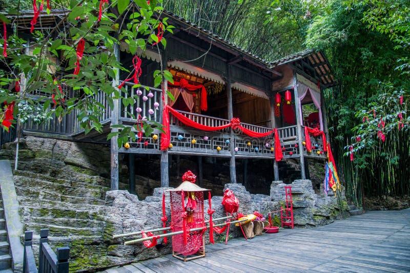 Hubei Yiling le fleuve Yangtze Three Gorges Dengying Gap dans le ` marié pleurant de plancher de ` de fille de Tujia de rivière d image libre de droits