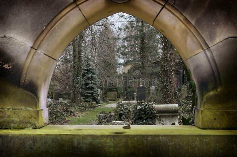 Hublot en pierre tombale image stock