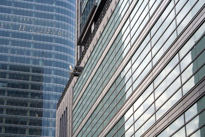 Hublots se reflétants de gratte-ciel photographie stock