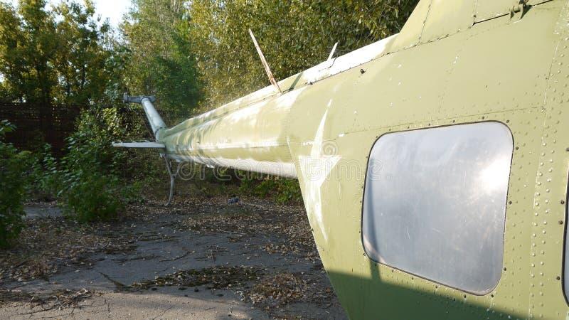Hubschrauber Mi-2 sind auf langfristiger Bewahrung stockfoto