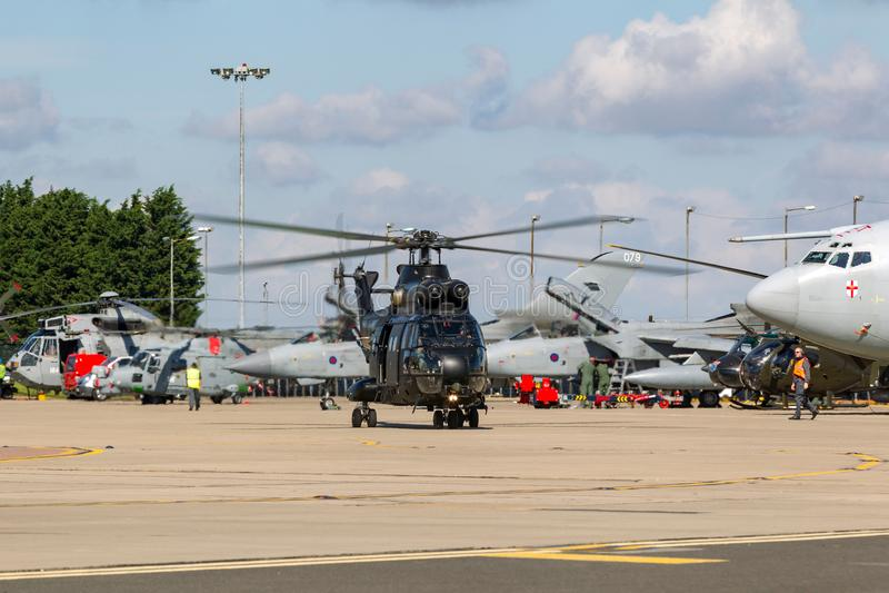 Hubschrauber Royal Air Forces RAF Aerospatiale SA-330E Puma-HC2 bei RAF Waddington stockbilder