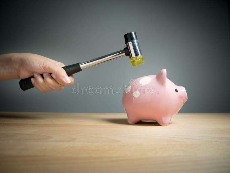 Hucha, ahorros, inversiones, concepto de la moneda imagenes de archivo