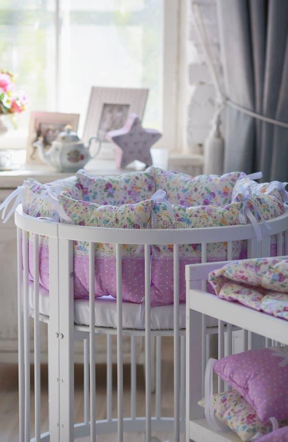 Huches blanches pour des bébés, forme ronde images libres de droits