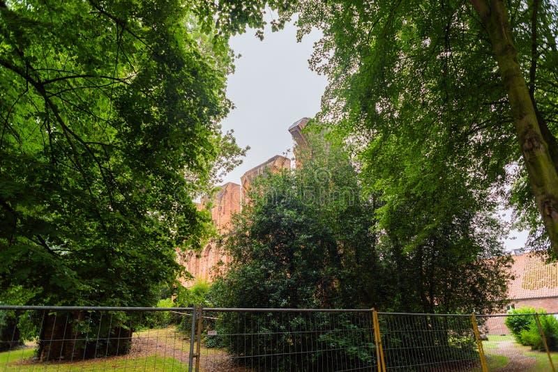 Hude, Niski Saxony, Niemcy - Lipiec 13, 2019 monaster rujnuje Hude obraz stock