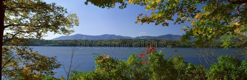Hudson-Fluss im Herbst, lizenzfreie stockbilder