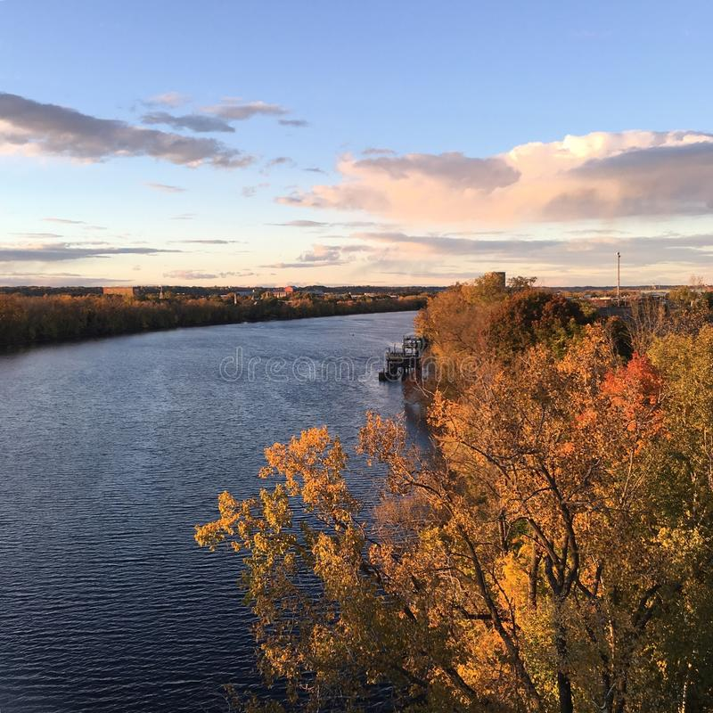 Hudson River in de herfst stock foto's
