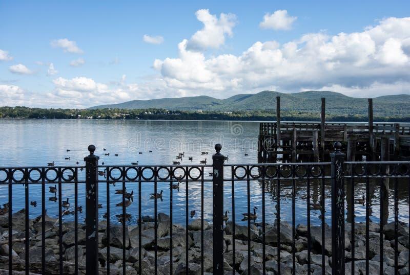 Hudson River Newburgh Waterfront lizenzfreie stockbilder