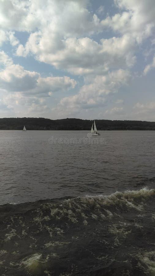 Hudson River pendant une croisière de Kingston le long de Hudson River images stock