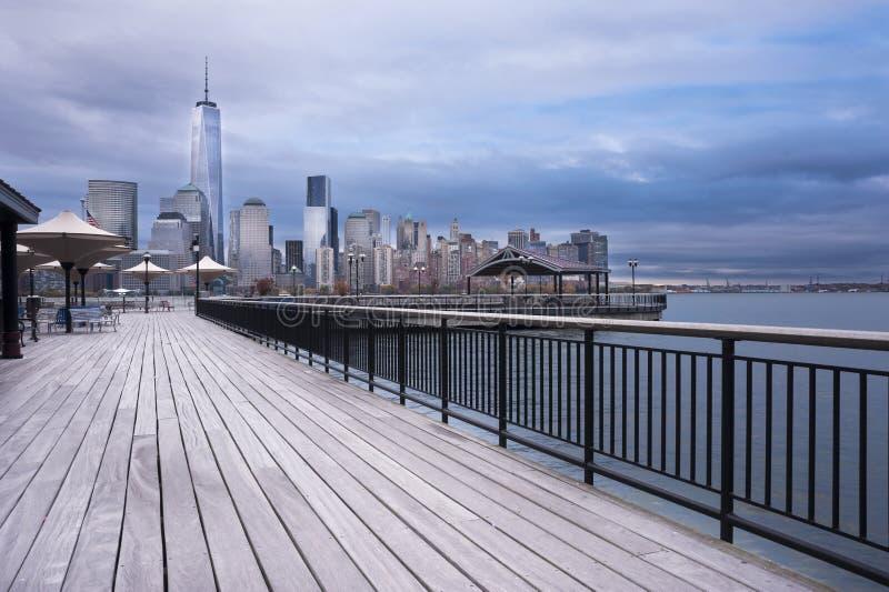 Hudson River Waterfront Walkway New Jersey City imagenes de archivo