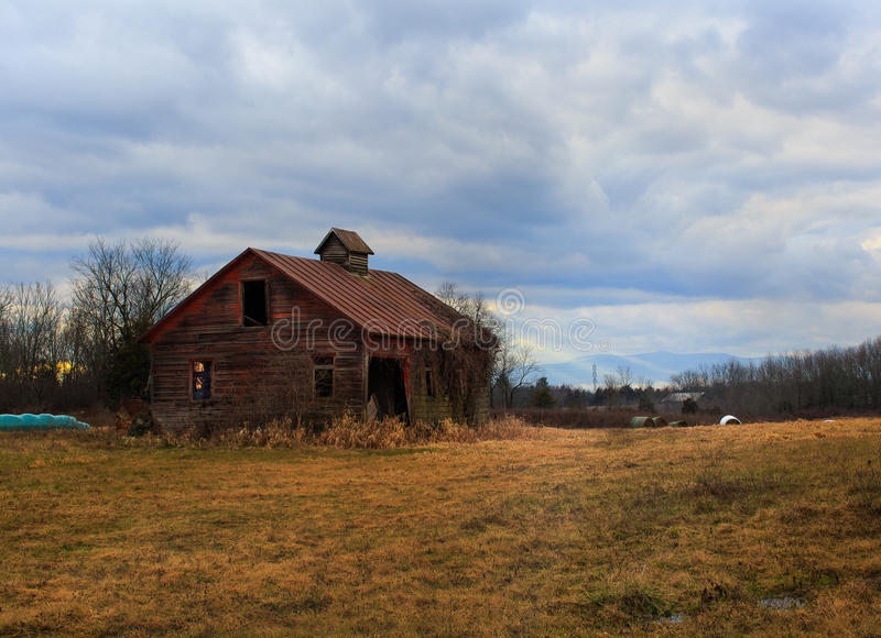 Hudson Valley old red barn and Catskill Mountains royalty free stock image