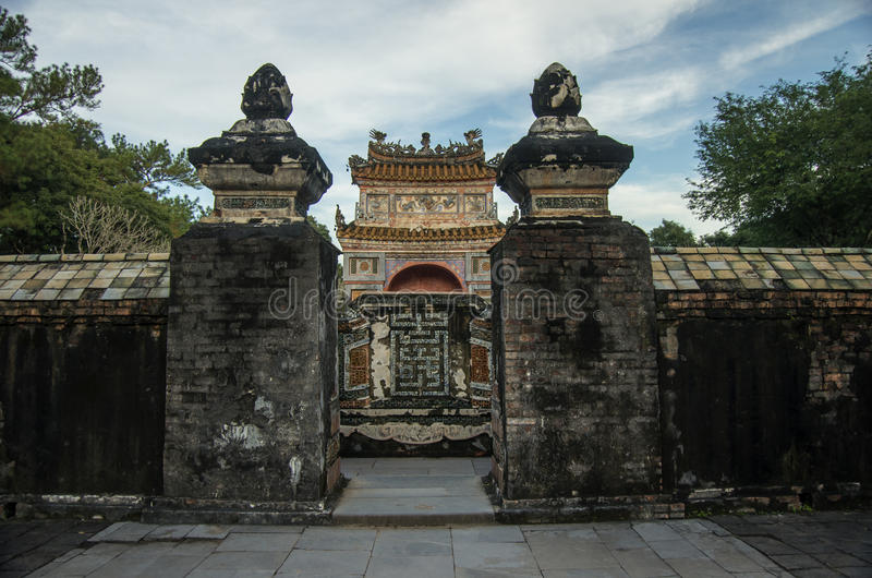 Hue, Vietnam - 5 janvier 2015 : Tombe et jardins d'empereur du TU Duc photographie stock