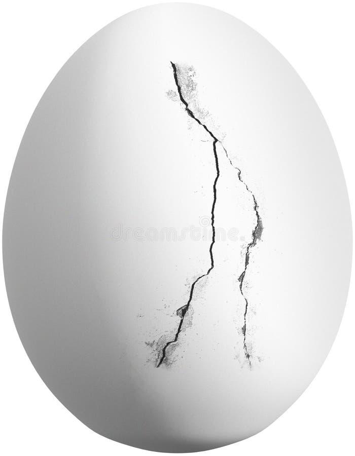 Huevo blanco agrietado del pollo aislado imagen de archivo libre de regalías
