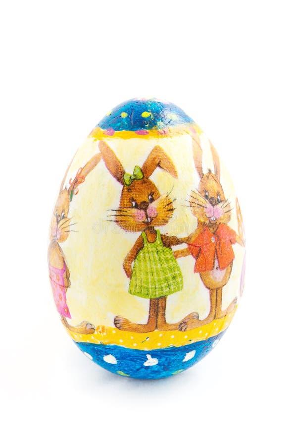 Huevo de Pascua adornado aislado en el fondo blanco fotos de archivo libres de regalías