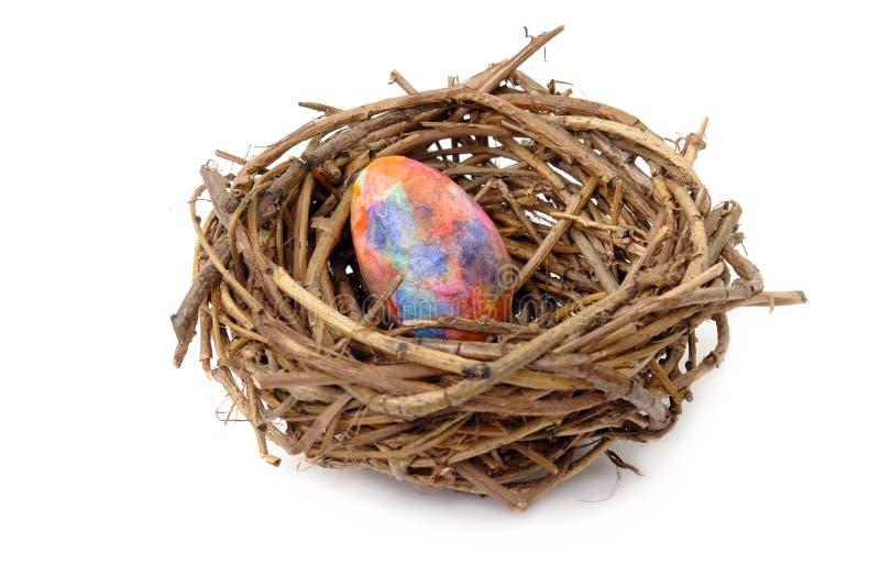 Huevo de Pascua en jerarquía imagenes de archivo
