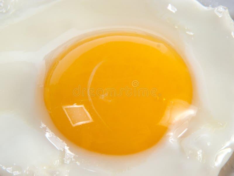 Huevo frito de un solo lado frito imagen de archivo libre de regalías
