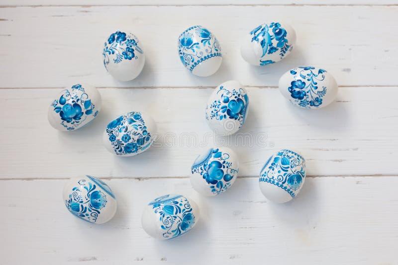 Huevos azules y blancos de Pascua foto de archivo libre de regalías