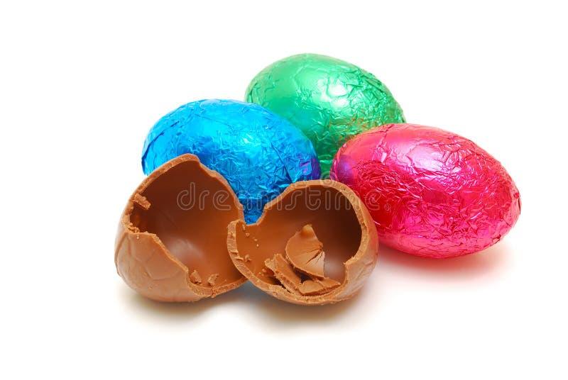 Huevos de chocolate aislados fotografía de archivo