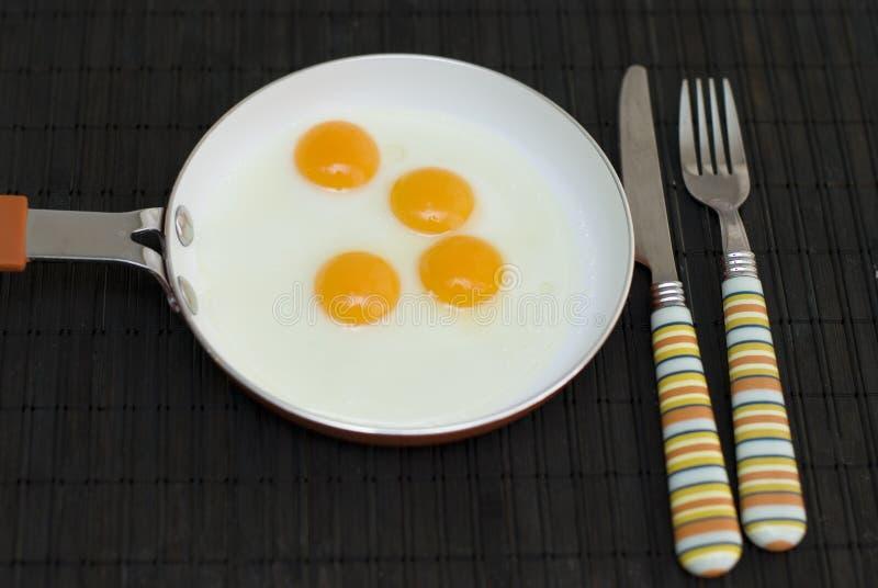 Huevos de codornices fritos foto de archivo libre de regalías