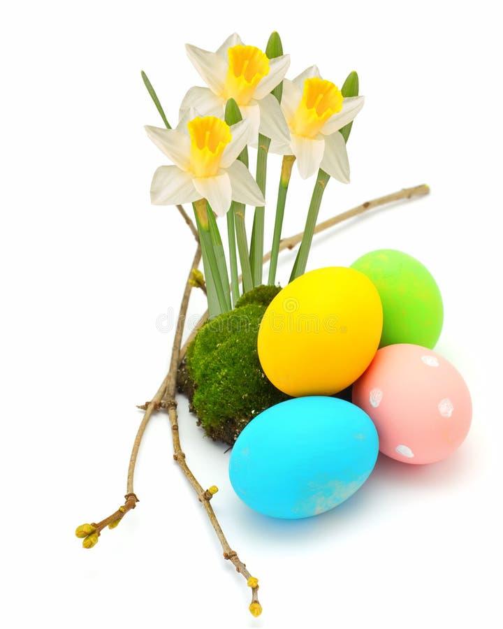 Huevos de Pascua aislados en blanco fotos de archivo libres de regalías
