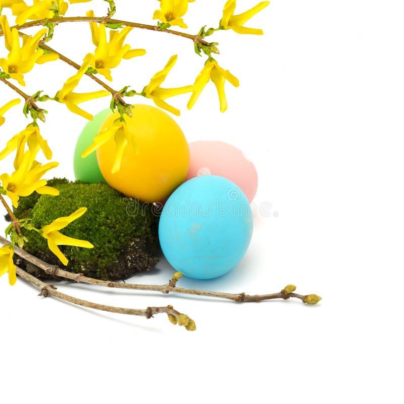 Huevos de Pascua aislados en blanco imagen de archivo libre de regalías