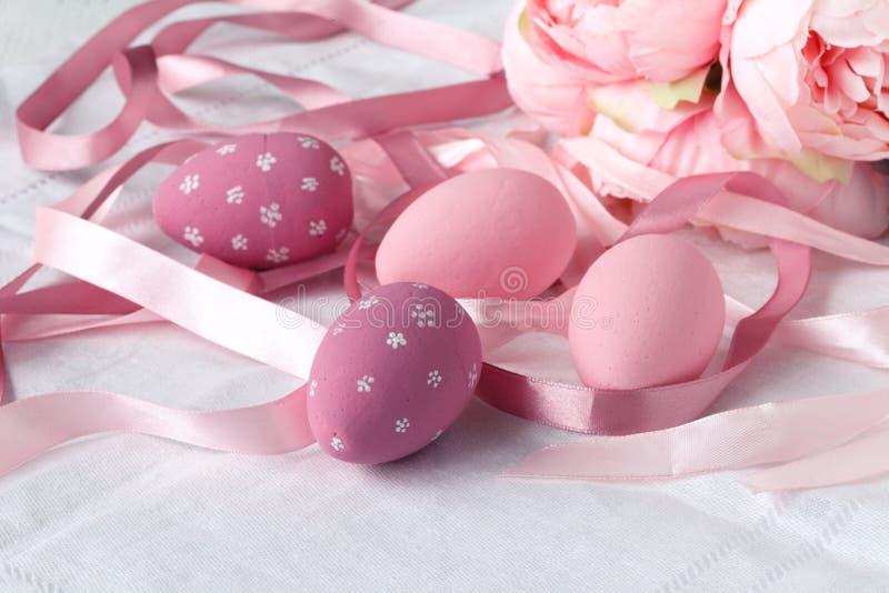 Huevos de Pascua con el caramelo fotografía de archivo libre de regalías