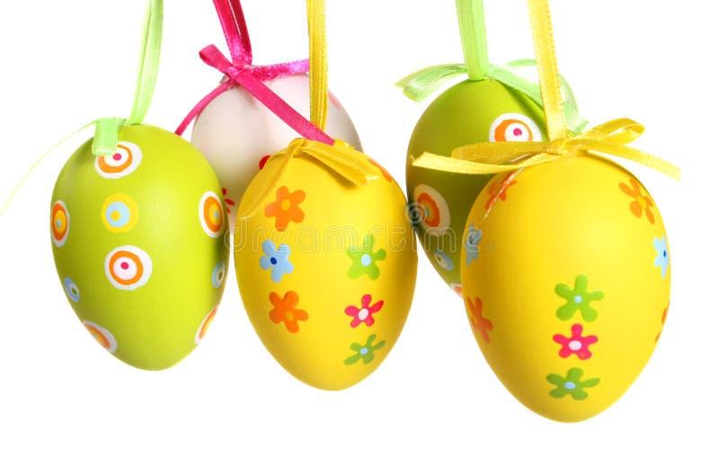 Huevos de Pascua en colores pastel y coloreados imágenes de archivo libres de regalías