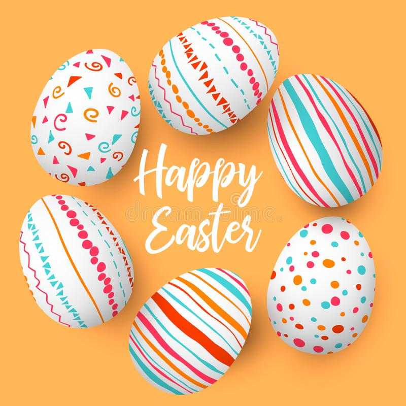 Huevos de Pascua felices en fila con el texto Huevos de Pascua coloridos en círculo en fondo de oro Fuente de la mano foto de archivo libre de regalías