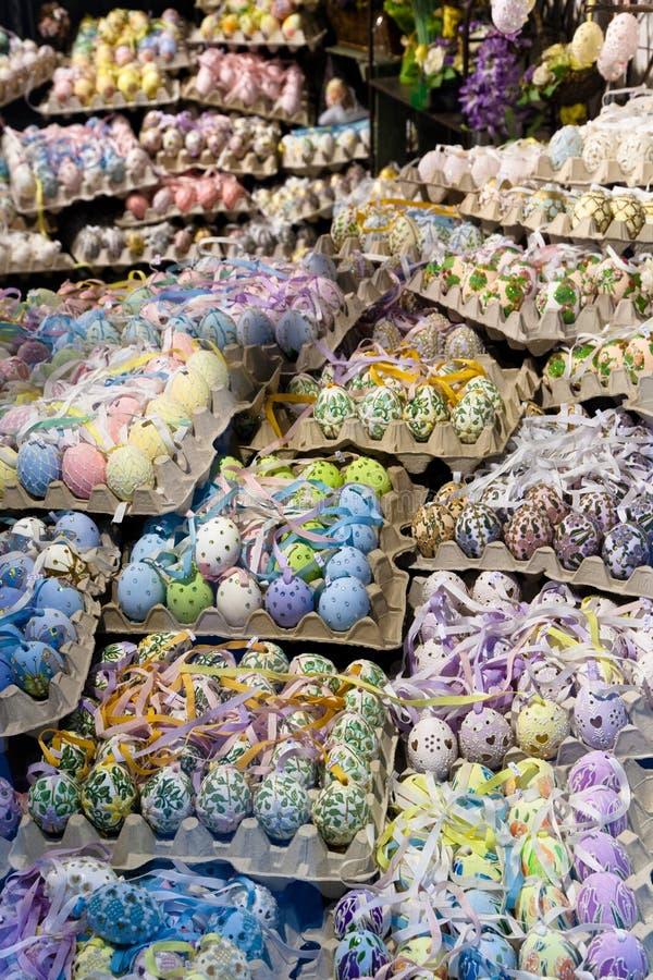 Huevos de Pascua para la venta fotografía de archivo libre de regalías