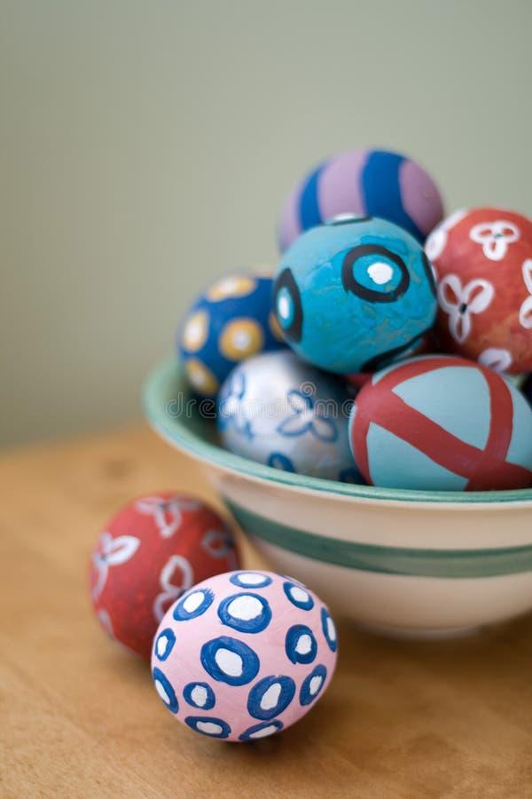 Huevos de Pascua pintados a mano fotos de archivo