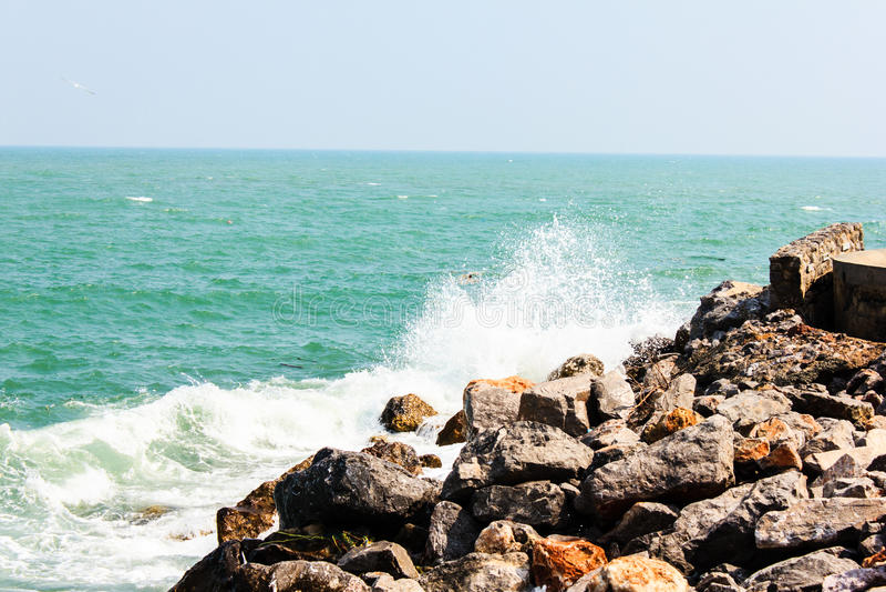 Download Huge Waves Crashing On The Rocks Royalty Free Stock Images - Image: 36709859