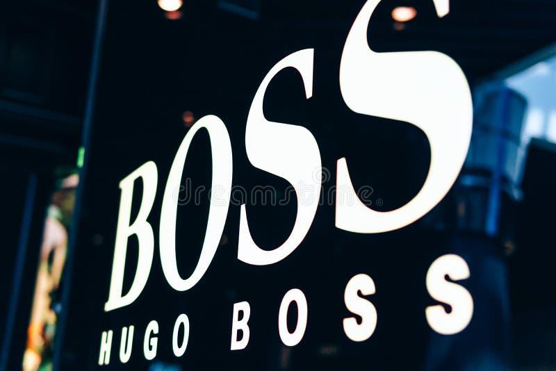 Hugo Boss Is que una casa de moda de lujo alemana fundó en 1924 y que estableció jefatura en Metzingen foto de archivo libre de regalías