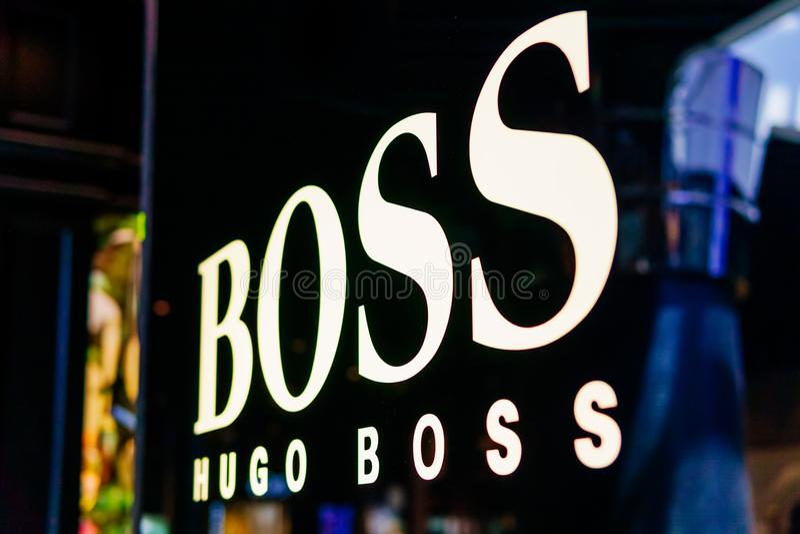 Hugo Boss Is que una casa de moda de lujo alemana fundó en 1924 y que estableció jefatura en Metzingen imagen de archivo libre de regalías
