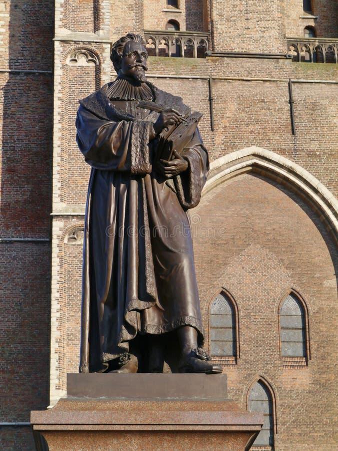 Hugo de Groot em Delft nos Países Baixos imagens de stock royalty free