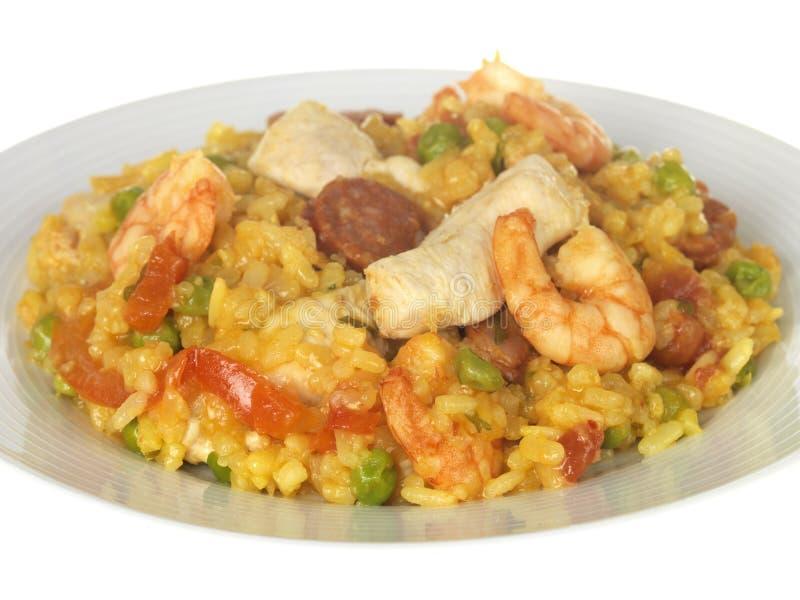 Huhn-und Garnele-Paella stockfoto