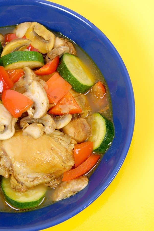 Huhn-und Gemüse-Eintopfgericht lizenzfreie stockfotografie