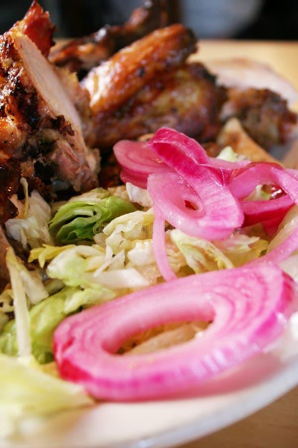 Huhn und Salat lizenzfreie stockfotos