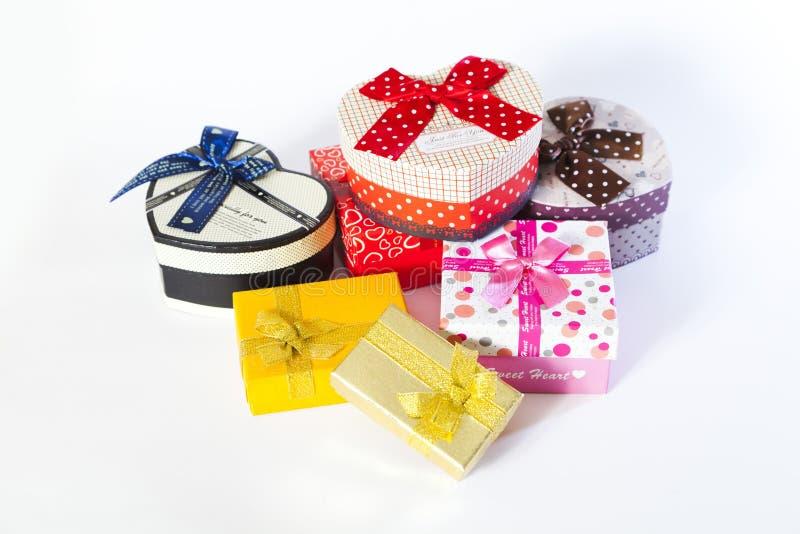 Huidige doos met boog royalty-vrije stock afbeeldingen